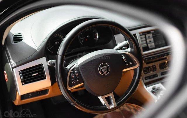 Jaguar XF sản xuất 2015, màu đen9