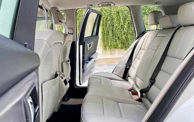 Cần bán Mercedes GLK300 4Matic năm sản xuất 2010, màu trắng, giá tốt3