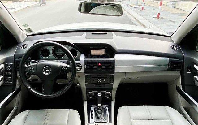 Cần bán Mercedes GLK300 4Matic năm sản xuất 2010, màu trắng, giá tốt2