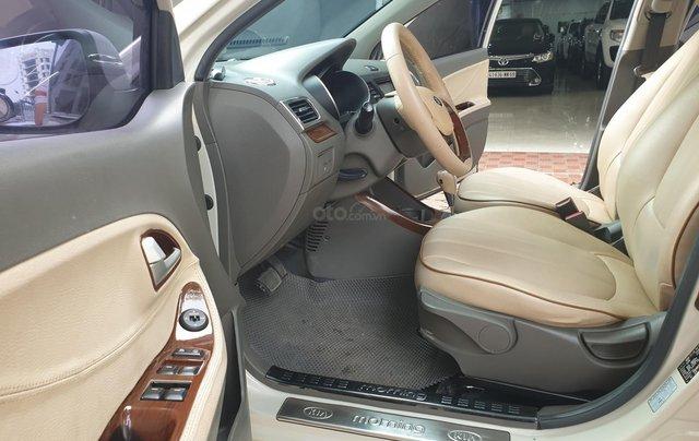 Cần bán lại với giá thấp chiếc Hyundai Grand i10 sản xuất năm 2017, xe chính chủ còn mới4