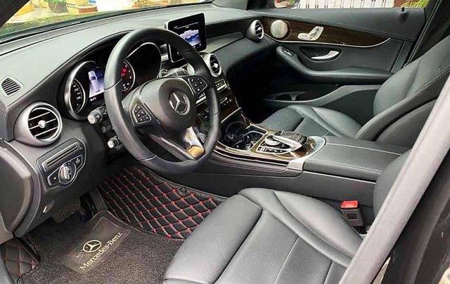 Cần bán xe Mercedes GLC-Class năm 2018, màu đen còn mới2