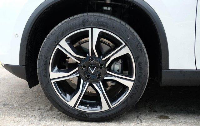 Lux SA Premium - Hỗ trợ vay 90%, Nhận xe từ 189 triệu đồng2