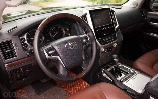 Bán Toyota Land Cruiser năm 2017, màu đen, xe nhập còn mới1