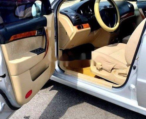 Bán ô tô Daewoo Gentra năm 2011, màu bạc xe gia đình11