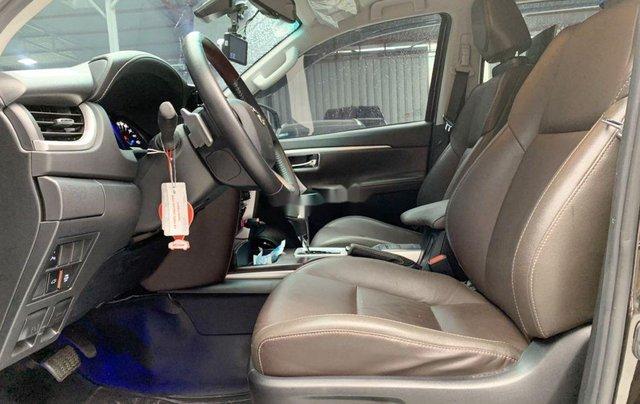 Bán Toyota Fortuner năm sản xuất 2018, màu nâu, xe nhập1