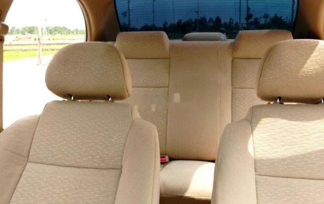 Bán ô tô Daewoo Gentra năm 2011, màu bạc xe gia đình9
