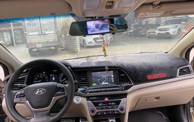 Cần bán lại xe Hyundai Elantra sản xuất 2018, màu vàng số tự động, 578 triệu10