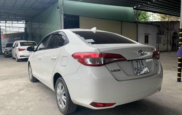 Cần bán Toyota Vios năm 2018 còn mới, 415tr5