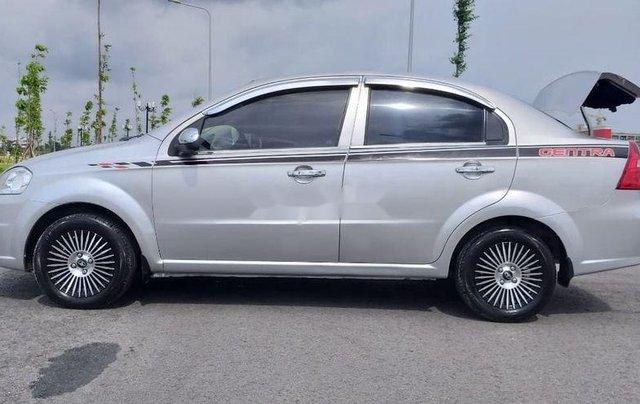 Bán ô tô Daewoo Gentra năm 2011, màu bạc xe gia đình5