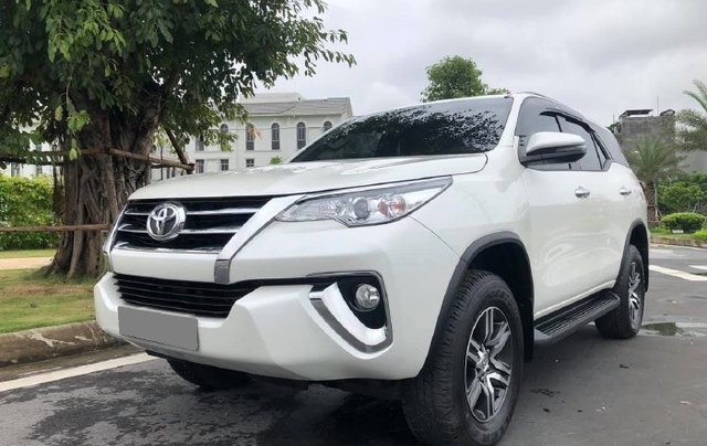 Cần bán gấp Toyota Fortuner năm sản xuất 2019 còn mới3