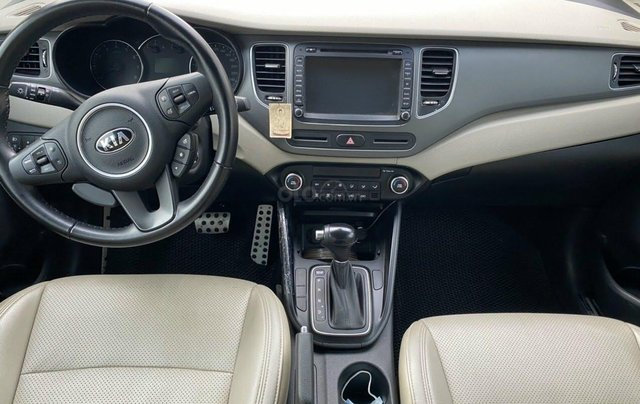 Cần bán Kia Rondo 2.0AT, xe sản xuất 20185