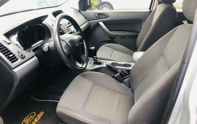 Cần bán lại xe Ford Ranger đời 2014, màu bạc xe gia đình giá chỉ 465 triệu đồng4
