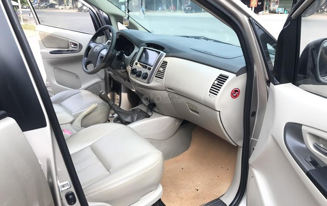 Toyota Innova 2.0E đời cuối 2014 form mới, 1 chủ mua đi từ mới, số tay, màu nâu vàng, xe chất lượng cao5