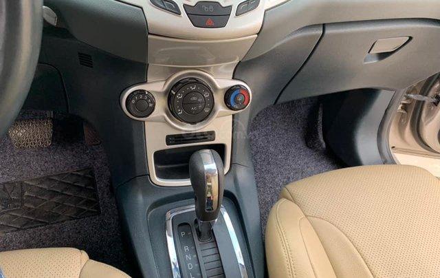 Bán chiếc Ford Fiesta 1.6AT màu ghi vàng, SX 20114