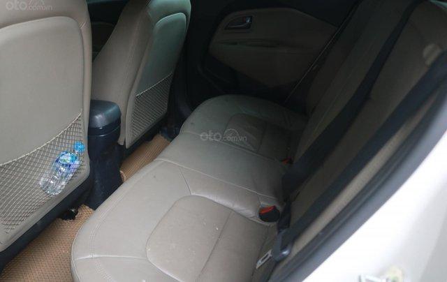Bán xe Rio màu trắng SX 2015, bản hachback 5 cửa5