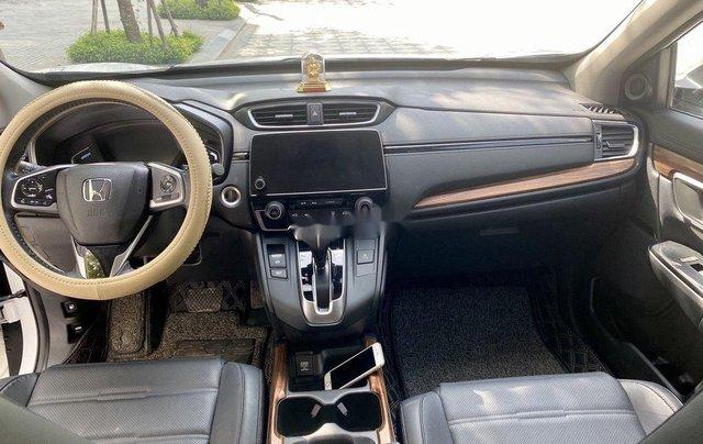Cần bán gấp Honda CR V đời 2018, màu trắng, xe nhập6