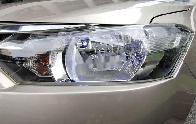 Bán xe Toyota Vios sản xuất năm 2016, xe chính chủ giá mềm11