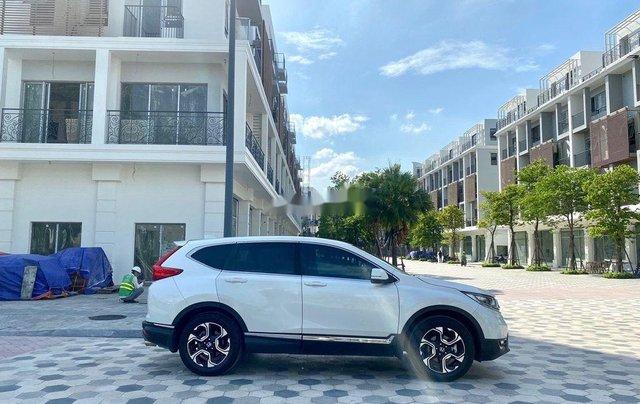 Cần bán gấp Honda CR V đời 2018, màu trắng, xe nhập2