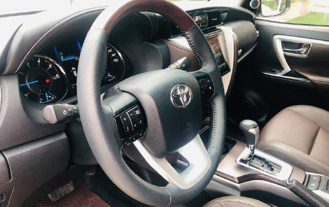Cần bán gấp Toyota Fortuner năm sản xuất 2019 còn mới4