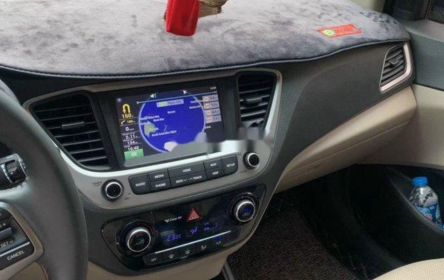 Bán gấp chiếc Hyundai Accent sản xuất năm 2020, giá tốt5