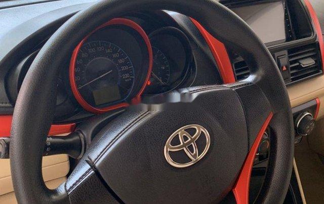 Bán ô tô Toyota Vios đời 2015, màu bạc, số sàn1