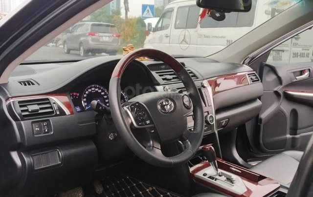 Toyota Camry 2.5Q 2013, màu đen6