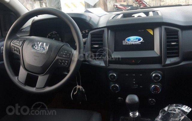 Bán Ford Ranger XLS MT 2020 mới kèm ưu đãi hấp dẫn7