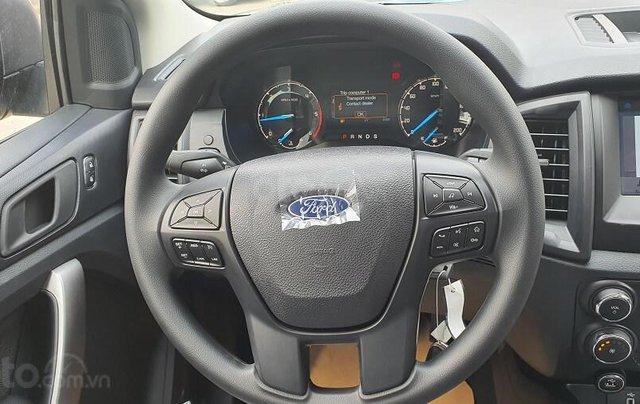 Bán Ford Ranger XLS MT 2020 mới kèm ưu đãi hấp dẫn6