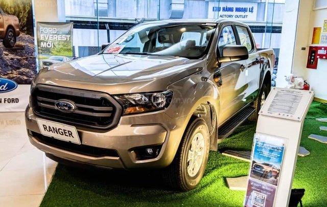 Bán Ford Ranger XLS MT 2020 mới kèm ưu đãi hấp dẫn4