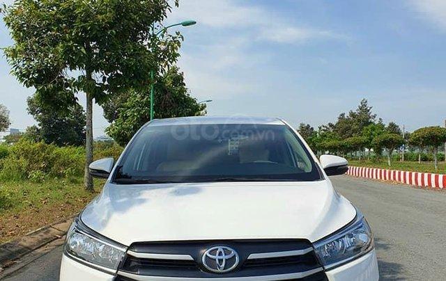 Cần bán nhanh với giá ưu đãi nhất chiếc Toyota Innova bản E 2019, xe chính chủ còn mới2
