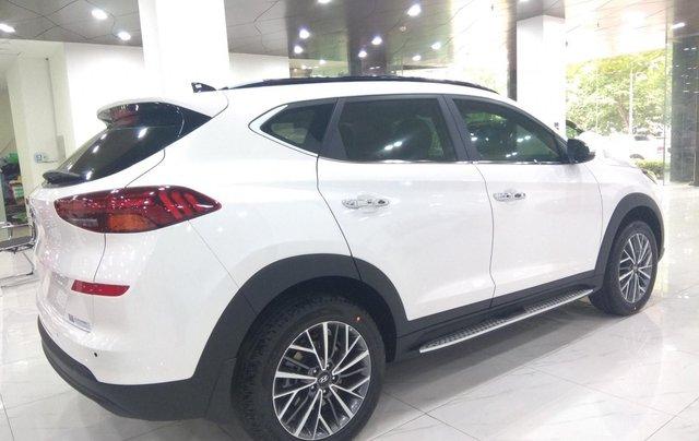 Hyundai Tucson 2021 đủ màu giao ngay, giảm giá cùng nhiều quà tặng trong trong tháng 11