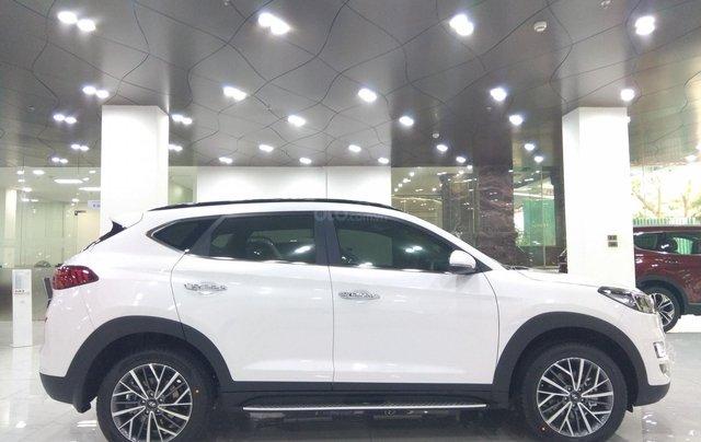 Hyundai Tucson 2021 đủ màu giao ngay, giảm giá cùng nhiều quà tặng trong trong tháng 12