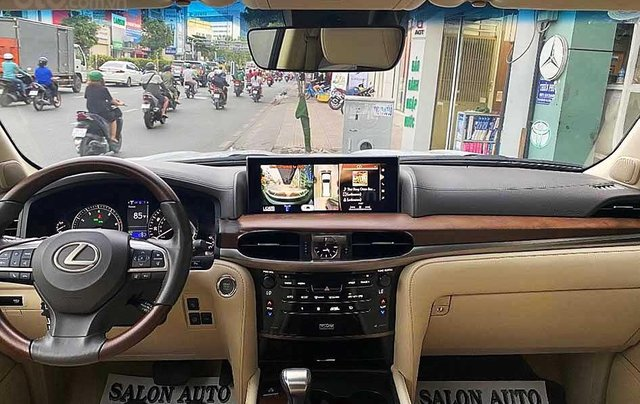 Xe Lexus LX sản xuất 2015, màu trắng, nhập khẩu nguyên chiếc còn mới3