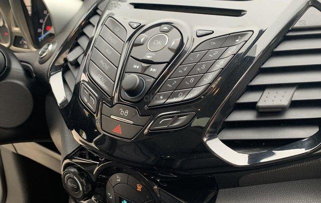 Ford EcoSport 2018 Titanium màu trắng14