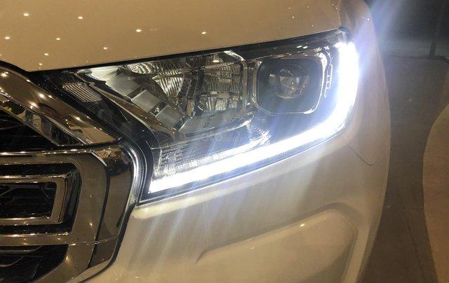 Hỗ trợ mua xe trả góp lãi suất thấp với chiếc Ford Ranger Limited sản xuất 2020, giao nhanh7