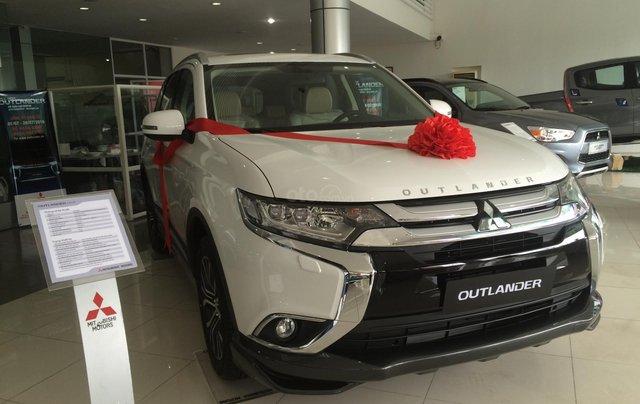 Bán Mitsubishi Outlander 2020, màu trắng, giá cạnh tranh2