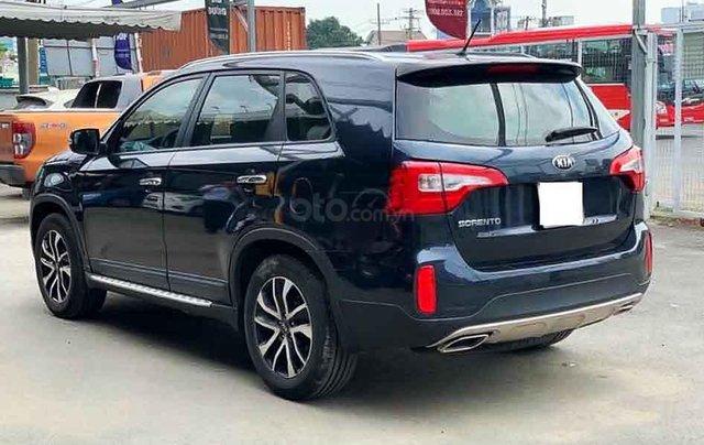 Bán ô tô Kia Sorento sản xuất 2019, màu xanh lam còn mới, 718 triệu2