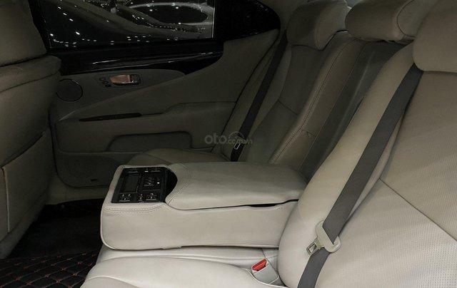 Bán Lexus LS460L 2011, màu xám bạc4