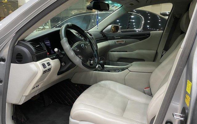 Bán Lexus LS460L 2011, màu xám bạc5