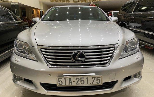 Bán Lexus LS460L 2011, màu xám bạc0