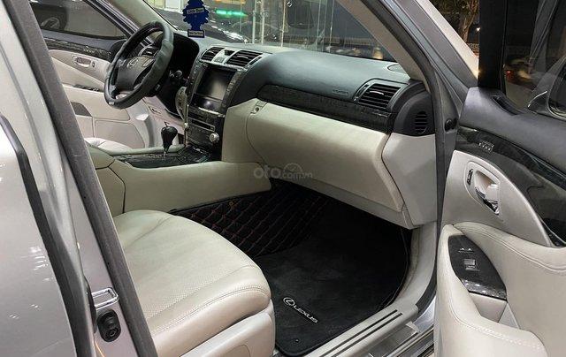 Bán Lexus LS460L 2011, màu xám bạc8