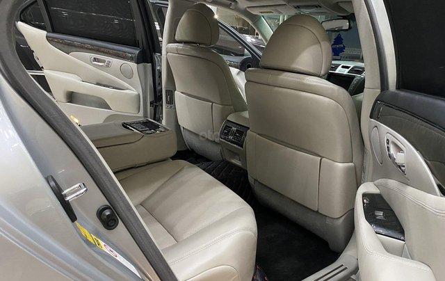 Bán Lexus LS460L 2011, màu xám bạc6