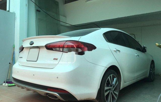 Cần bán gấp Kia Cerato năm sản xuất 2018, màu trắng, nhập khẩu 0