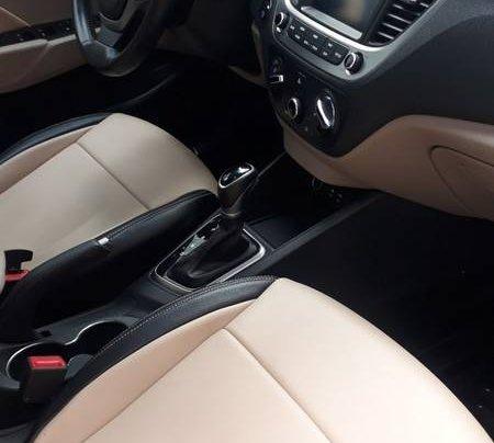 Bán ô tô Hyundai Accent năm 2018 còn mới6
