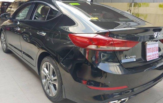 Bán Hyundai Elantra sản xuất năm 2017, màu đen như mới8