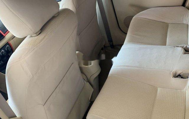 Cần bán xe Toyota Vios sản xuất 2015, màu bạc số sàn, 318tr10