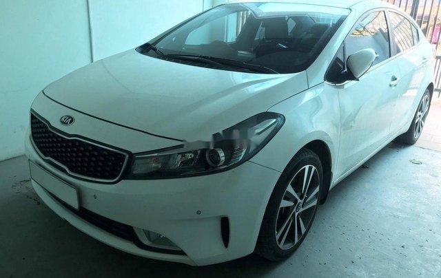 Cần bán gấp Kia Cerato năm sản xuất 2018, màu trắng, nhập khẩu 1