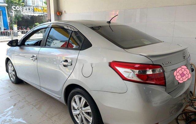 Bán ô tô Toyota Vios đời 2015, màu bạc, số sàn8