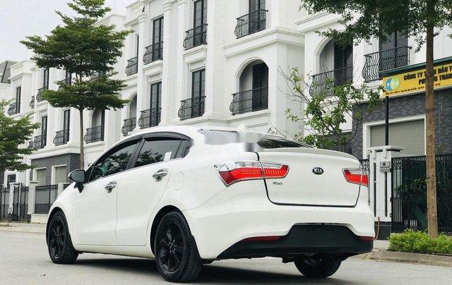 Cần bán gấp Kia Rio năm sản xuất 2016, màu trắng, 429 triệu3