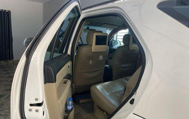 Bán xe Toyota Fortuner sản xuất năm 2015, màu trắng, nhập khẩu số tự động1
